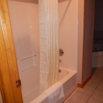 1,800 Sq. ft., 4 bedroom townhouse - Shower area