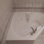 1,800 Sq. ft., 4 bedroom townhouse - High view of bath tub