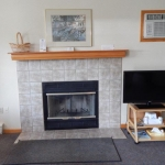 1,800 Sq. ft., 4 bedroom townhouse - Fireplace and sitting area