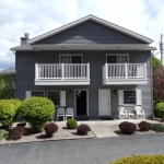 2,000 sq. ft. townhouse with 4 bedrooms - Front of building exterior