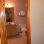 2,000 sq. ft. townhouse with 4 bedrooms - Guest bathroom