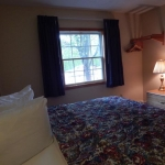 2,000 sq. ft. townhouse with 4 bedrooms - Bed in bedrom
