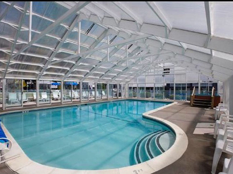 Indoor / Outdoor pool and hot tub