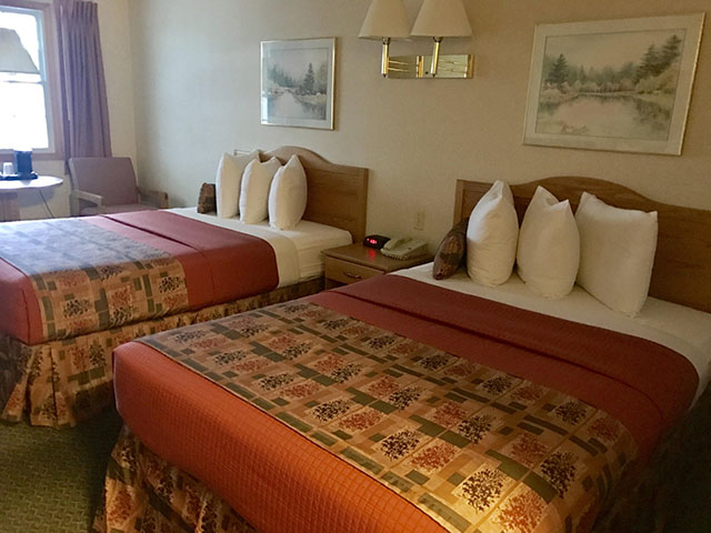 Traditional Room with 2 Queen Beds - Beds photo