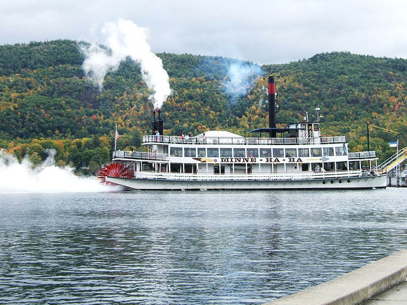 Photo of steamboat on Lake George